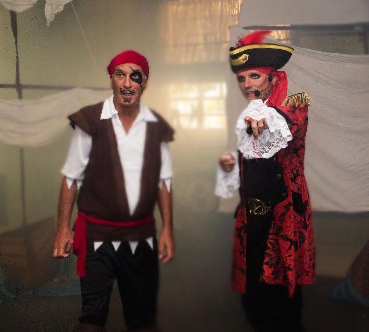 Il pirata BARBABRUCIATA e la sua ciurma di bucanieri