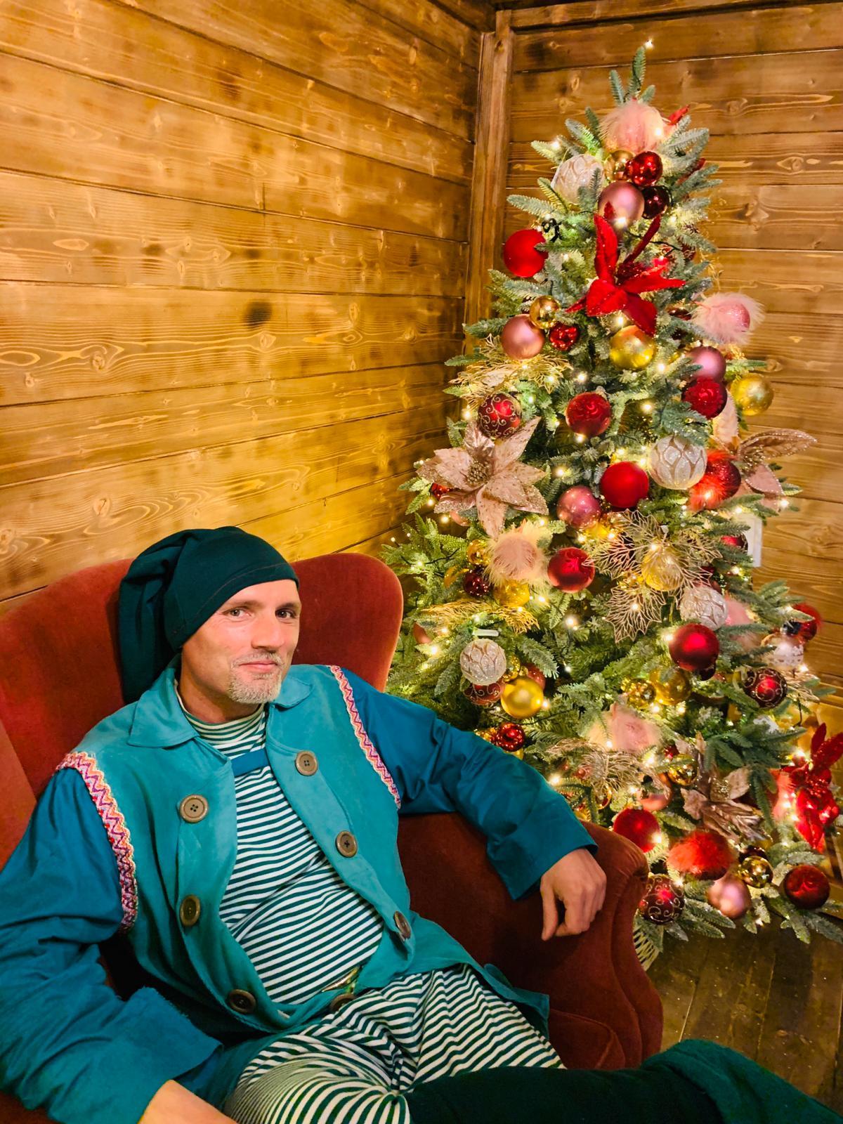 Elfo Wilson nella casa di Babbo Natale